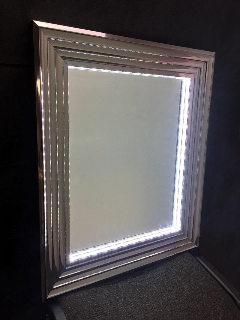 Light Photo Frames and Mirrors - Commercial Frames